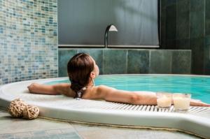 Entspannung im Whirlpool: Ist ein Whirlpool gut für die Gesundheit?